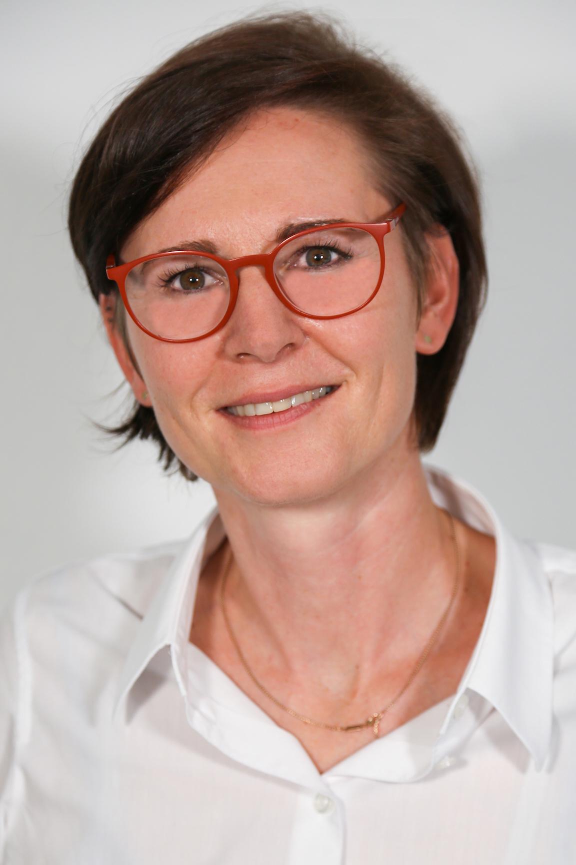 Frau Pia Vilsmaier